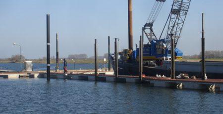 Stalen buizen voor solide steigers in jachthavens