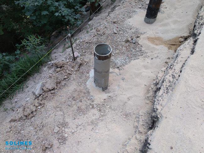 Bermversteviging-stalen-buizen-in-de-grond